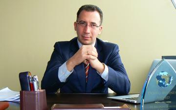 "Учредител на Фондация ""Право и Интернет"" получи най-високото университетско академично звание – професор по право и информационни  технологии"